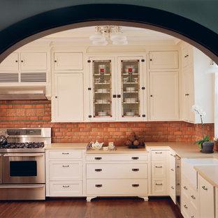Craftsman kitchen remodeling - Inspiration for a craftsman kitchen remodel in Detroit