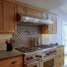 Traditional Kitchen by Cape & Island Kitchens
