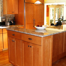 Traditional Kitchen by Kitchen Art of New England LLC