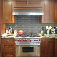 Craftsman Kitchen by LIFESTYLE KITCHENS by The Kitchen Lady