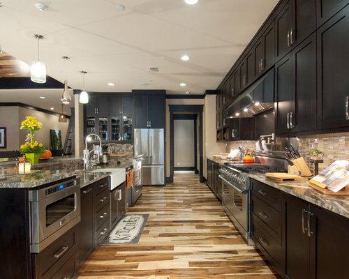 craftsman kitchen with glass sheet backsplash design ideas