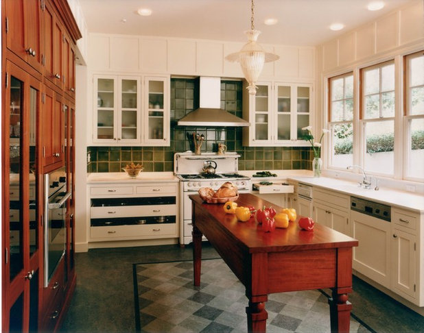 Victorian Kitchen by MN Builders