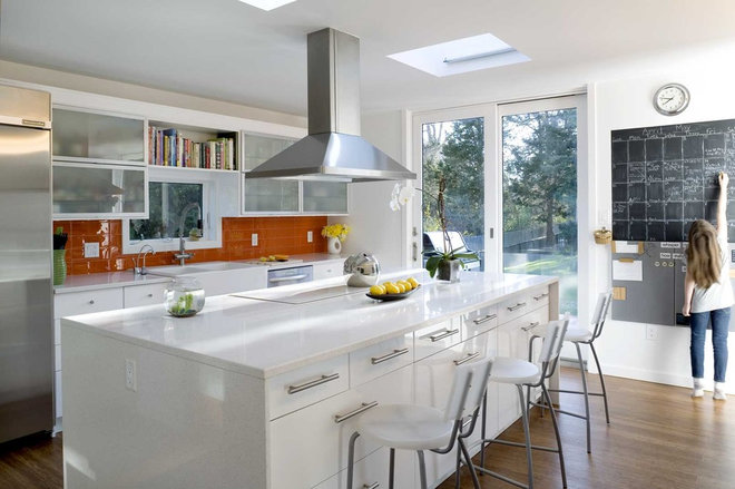 Contemporary Kitchen by ASAP•house Inc - Studio Kiss