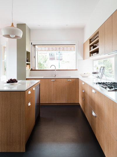 Contemporary Kitchen by Gardiner Architects
