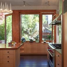 Modern Kitchen by Jace Architecture
