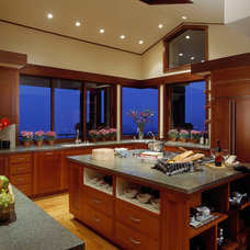 Asian Kitchen by Giffin & Crane General Contractors, Inc.