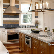 traditional kitchen by Warners' Stellian Appliance