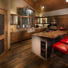 Kitchen by Spirit Tahoe Interior Design & Gallery