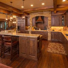 Rustic Kitchen by Amaron Folkestad GC Steamboats Builder
