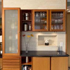 Modern Kitchen by Daniel M Martin, Architect LLC