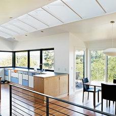 Midcentury Kitchen by Graham Baba Architects