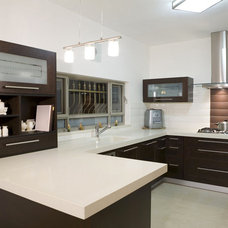 Modern Kitchen by Attica Kitchens