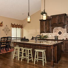 Traditional Kitchen by Robl Construction Inc.