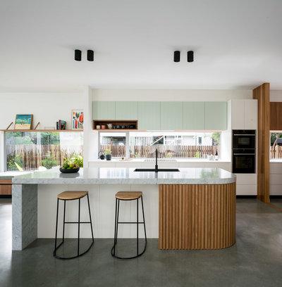 Midcentury Kitchen by Kelder Architects