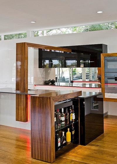 Modern Kitchen by Enigma Interiors