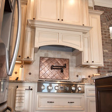 Traditional Kitchen by A PLUS Construction