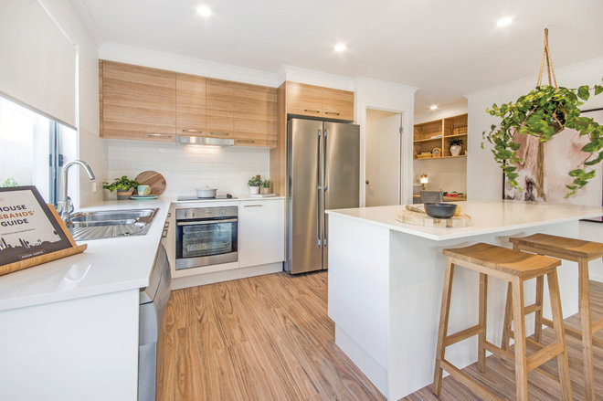 Contemporary Kitchen by Vantage Homes QLD