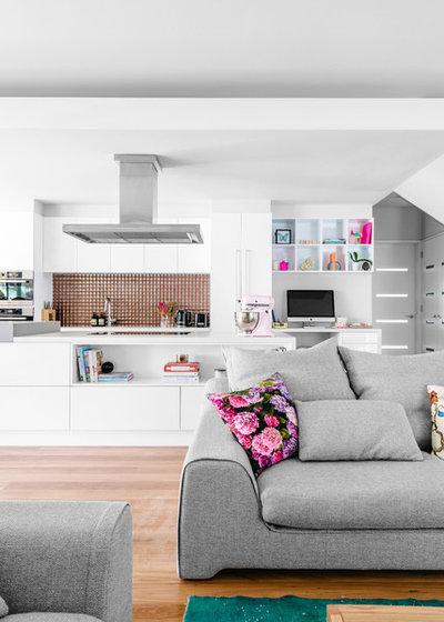 Contemporary Kitchen by Kim Pearson Pty Ltd