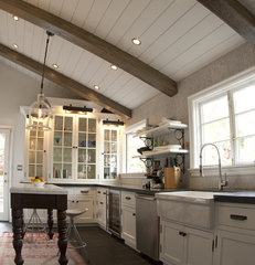 traditional kitchen by Avante Interiors
