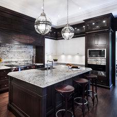 Contemporary Kitchen by Avissa Mojtahedi Architecture & Design Inc.