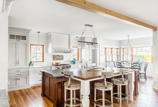 Traditional Kitchen by CMM Construction Inc.
