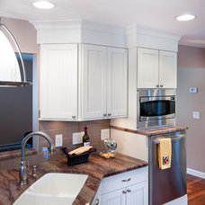 Traditional Kitchen by Nathan J. Reynolds