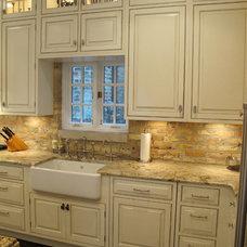 Traditional Kitchen by Dresner Design | Chicago Custom Kitchens Cabinets