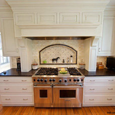Traditional Kitchen by Airoom Architects-Builders-Remodelers