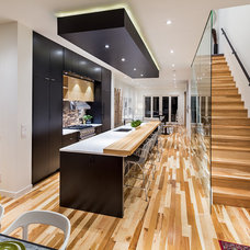 Contemporary Kitchen by Beyond Homes