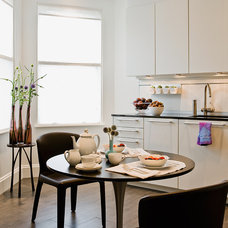 Modern Kitchen by David Sharff Architect, P.C.