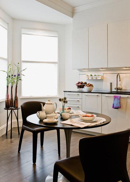 Modern Kitchen by David Sharff Architect, P.C.