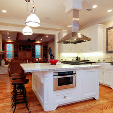 Traditional Kitchen by Stone Acorn Builders