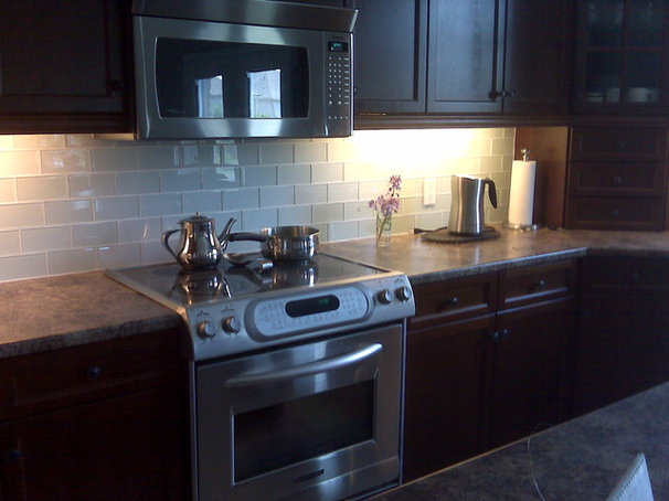 "Modern Kitchen ""Backsplash Exclusives"""