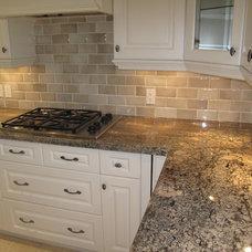Traditional Kitchen by Ceramic Decor Centre Ltd.