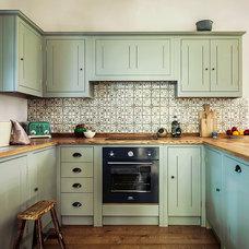Traditional Kitchen by British Standard