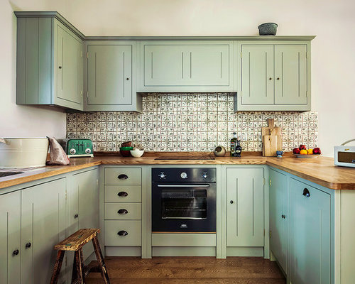 Kitchen design ideas renovations photos with black for Black country kitchen