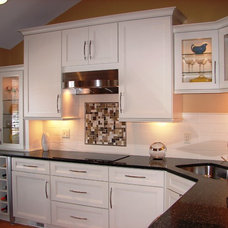 Modern Kitchen by Lonny at K and B