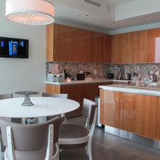 Modern Kitchen by Domatica