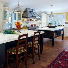 Craftsman Kitchen by Saroki Architecture