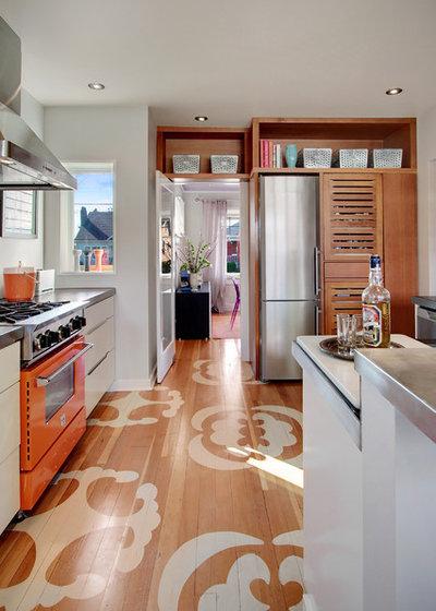 Contemporary Kitchen by Zinc Art + Interiors