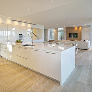 Huge Modern Eat In Kitchen Remodeling Minimalist L Shaped Bamboo Floor And
