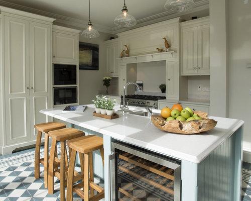 Mid Sized Farmhouse Eat In Kitchen Inspiration   Eat In Kitchen   Mid