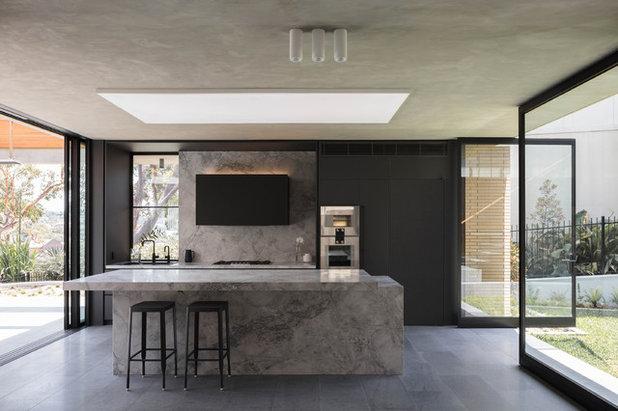 Modern Kitchen by CHROFI