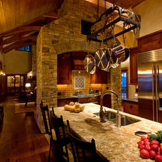 Traditional Kitchen by Morgan-Keefe Builders, Inc.