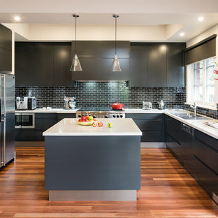 Cream And Black Kitchen Ideas And Photos Houzz