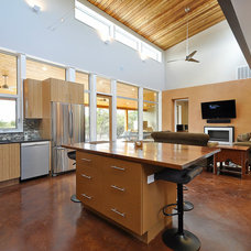 Modern Kitchen by Bamboo Crew Custom Cabinets and Countertops