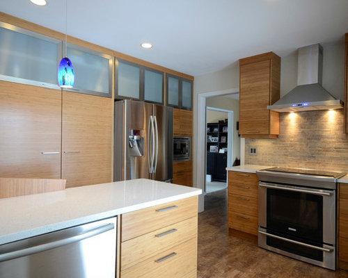 k che mit r ckwand aus zementfliesen und korkboden ideen. Black Bedroom Furniture Sets. Home Design Ideas