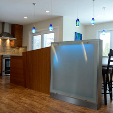 Contemporary Kitchen by Accord Cabinets Ltd.