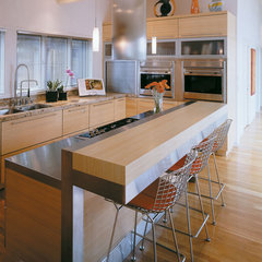 contemporary kitchen by Sawhill - Custom Kitchens & Design, Inc.