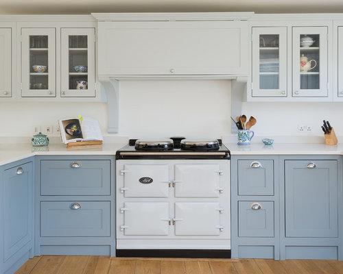 landhausstil k chen mit quarzit arbeitsplatte ideen bilder. Black Bedroom Furniture Sets. Home Design Ideas